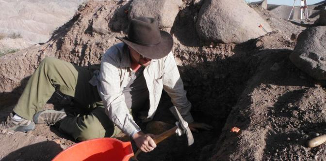 Matt-digging.jpg